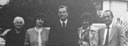 1981. Patrick Leigh Fermor in New York. Von links nach rechts: Eva (Helias' Mutter), Rita (Helias' Frau), Leigh Fermor, Chris (George's Frau) und Helias.
