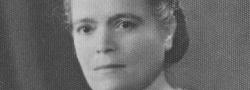 1941. Η κυρία Μαρία Ανδρουλάκη, η μητέρα του Γιάννη. Το σπίτι της στο Ηράκλειο ήταν το αρχηγείο της οργάνωσης, και ο στηθόδεσμός της η κρυψώνα των πιο ευαίσθητων εγγράφων της οργάνωσης του Γιώργου.