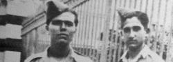 1943. Στο Καϊρο της Αιγύπτου, ο Ηλίας Δουνδουλάκης με τον Γιάννη Ανδρουλάκη φορώντας Βρετανικές στολές, όταν έμεναν στην βίλλα του SOE στην Ηλιούπολη