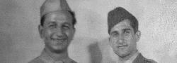 1945. George und Helias Doundoulakis, bevor sie die OSS Spionage Schule in Kairo verliessen.