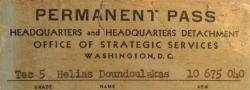 1945.  Ausweis des Autors, während er, als Wachmann im OSS Hauptquartier, Washington DC, stationiert wurde.